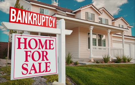 Can I Sell My Home After Filing Chapter 7 Bankruptcy Before I Receive My Final Discharge?